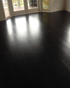 Floating floor in Japan Black.